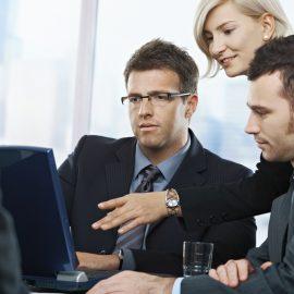 IT und Marketing: Wie Teams gemeinsam von einem Template System profitieren